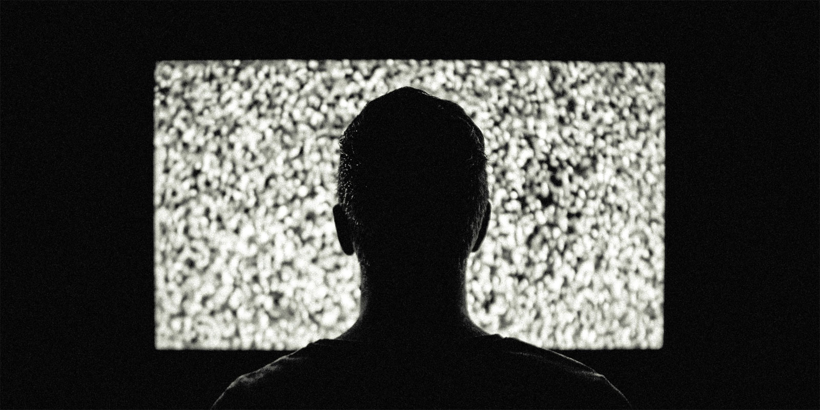 Study: Binge Watchers Are 98% Likelier to Have Sleep Problems