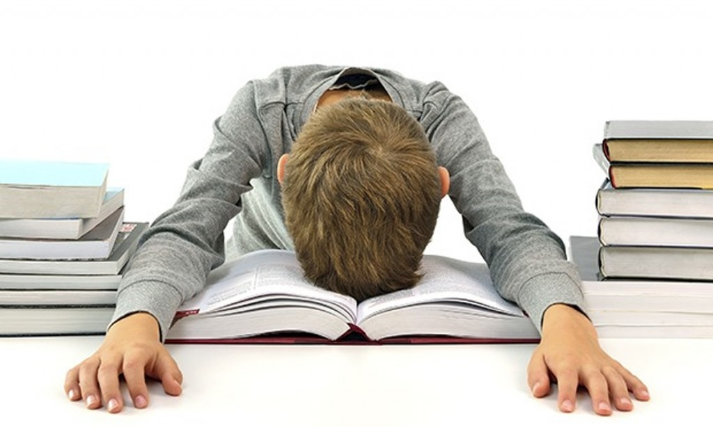 New Research Finds Link Between Sleep and Academic Performance