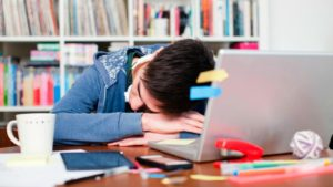 college students sleep deprived