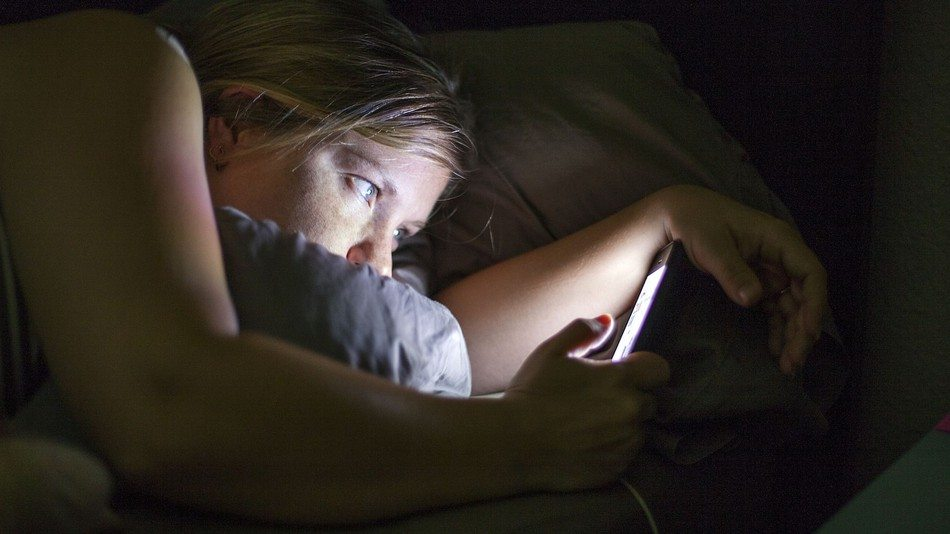 The Smartphone Sleep Epidemic: 81% of People Use Their Phones within an Hour of Going to Sleep
