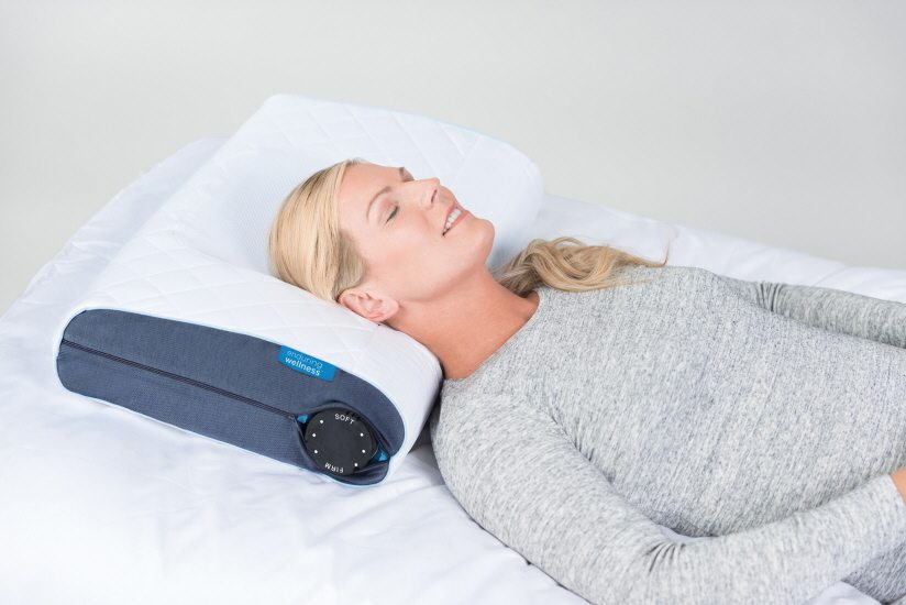 New Pillow Claims to Cure 'Tech Neck' Caused by Staring at Smartphones