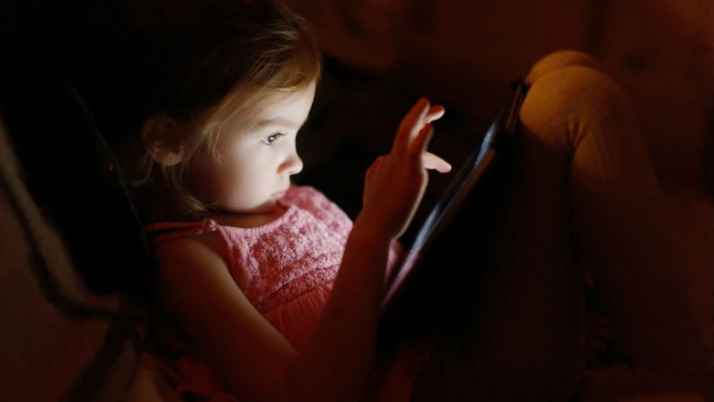 New Bedtime Story App Claims to Put Children to Sleep Faster